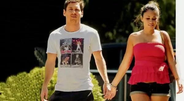 Lionel Messi y su mujer pasean su embarazo - Foto