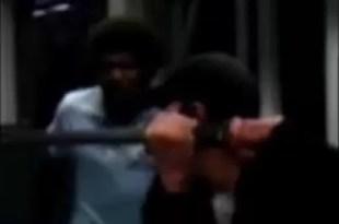 Video insólito: Lo defiende de una pelea con una katana