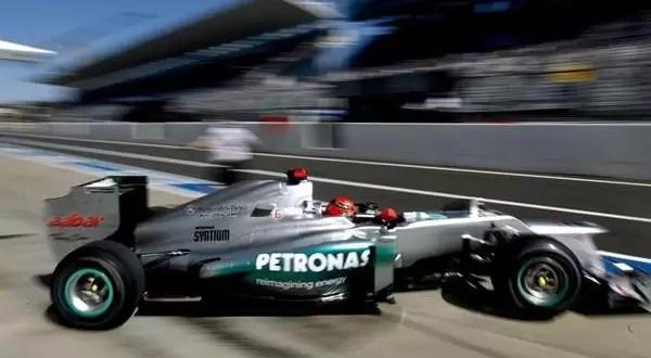 Video: Michael Schumacher sufre accidente en Japón