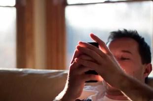 Un smartphone transmite emociones mediante vibraciones