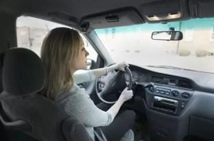 Mujer desaprobó 104 veces el examen teórico para conducir