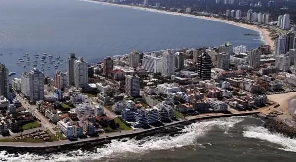 Viajes a Uruguay: turistas argentinos podrán pagar alquileres en pesos