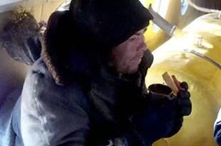 Dos hombres sobrevivieron al frío al comerse a su amigo