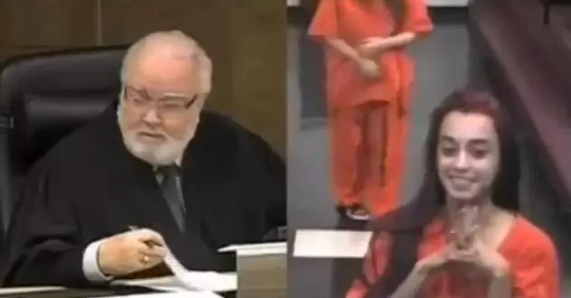 Video: Joven enoja a un juez y es furor en internet