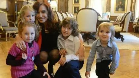 Cristina Kirchner adoptó a una niña como nieta