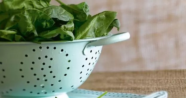 Ventajas y desventajas de consumir hojas verdes