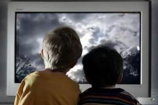 Qué tener en cuenta al ver televisión con los niños
