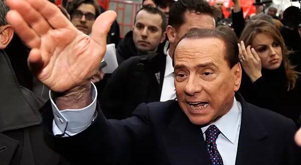 Cuatro años de prisión a Silvio Berlusconi por fraude