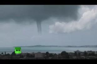 Video: impactante tornado en Francia