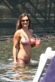 Fotos de Lola Ponce espectacular en bikini