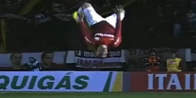 Video: futbolista se rompió los ligamentos mientras festejaba su primer gol