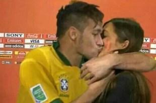 El beso de Neymar a la novia de Iker Casillas - Foto