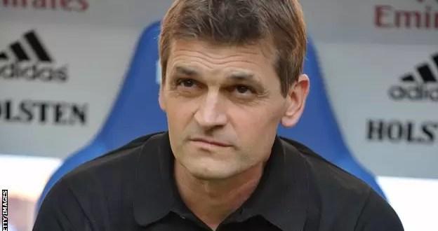 Tito Vilanova abandona el Barcelona debido al cáncer