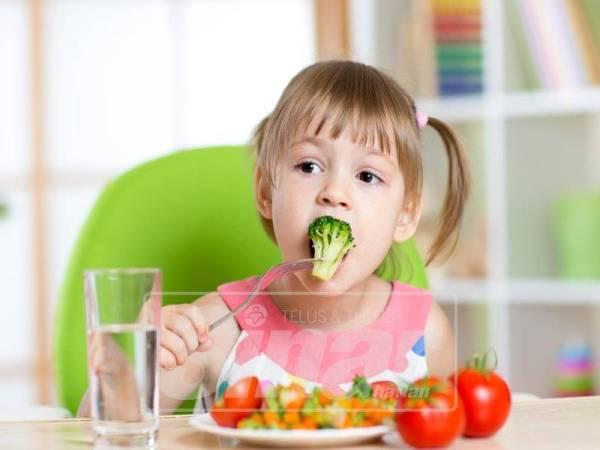 Ajar anak makan sayur ketika mereka kecil lagi.