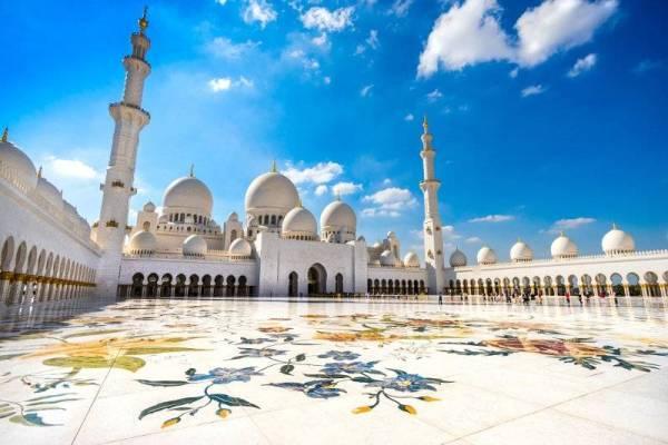 Masjid Sheikh Zayed di Abu Dhabi, Emiriyah Arab Bersatu.