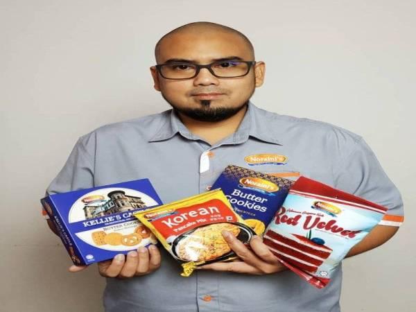 Jenama: Noraini's Cookies Jenis makanan: Kuih dan biskut Pengasas: Noraini Ahmad Produk pertama: Kuih-muih basah Senarai produk: Butter Cookies, Blackcurrant Cookies dan GoodKiss
