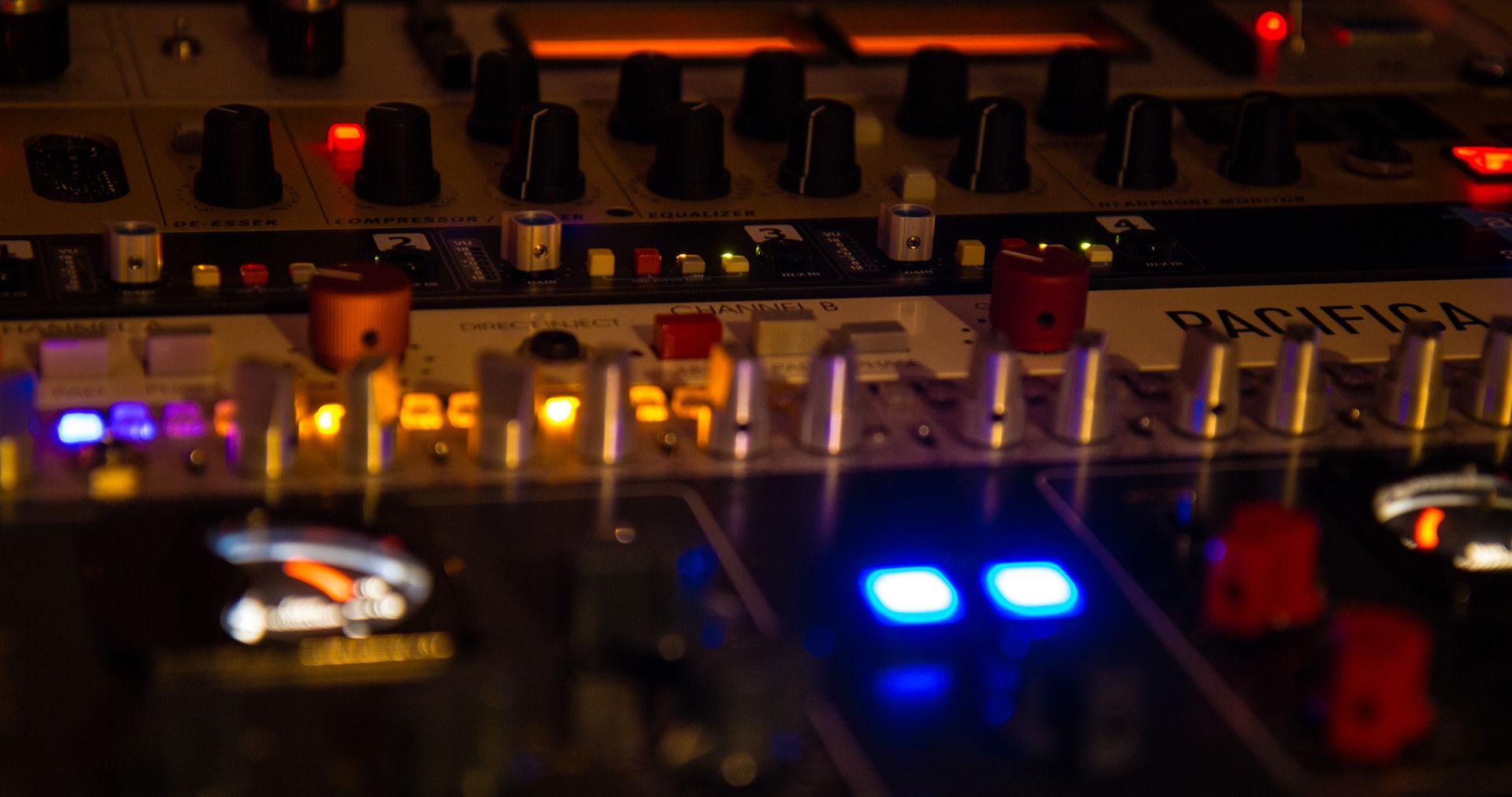 Studio IMG 8509 - Audio