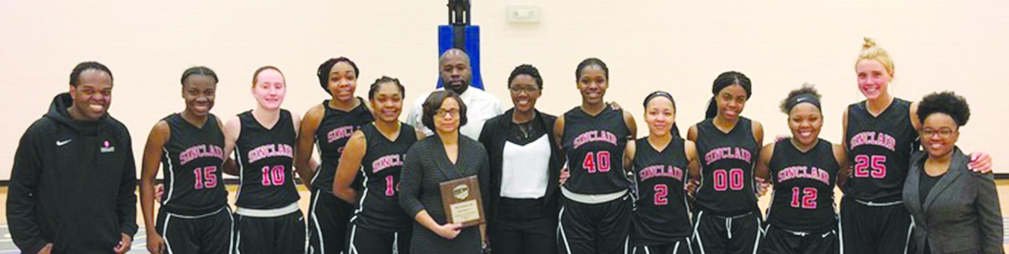 womensbasketballteampic_sinclair athletics