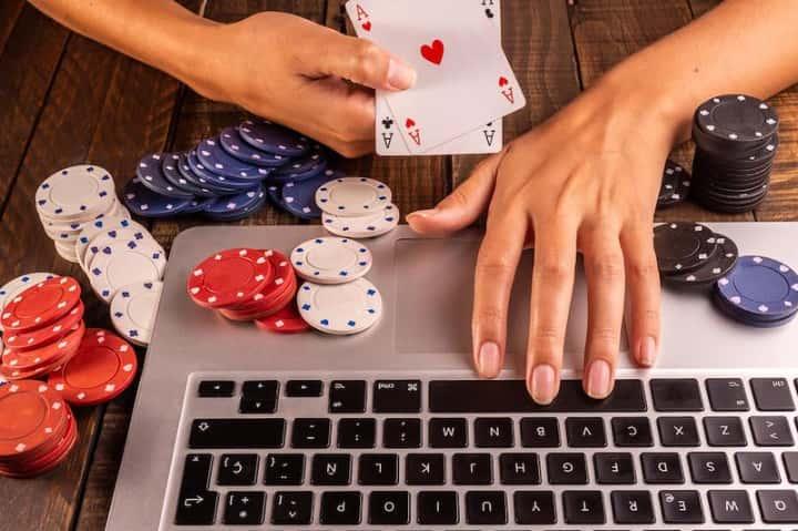 オンラインカジノとは