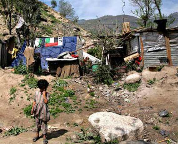 Los más pobres también son los más endeudados del país, concluye estudio. Foto: Cuartoscuro