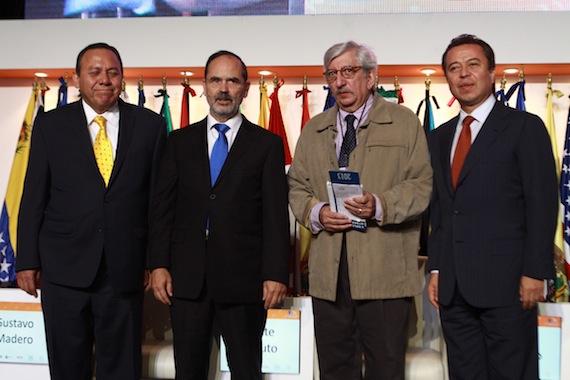 Jesús Zambrano, Gustavo Madero y César Camacho en el IV Foro de la Democracia. Foto: Antonio Cruz, SinEmbargo.