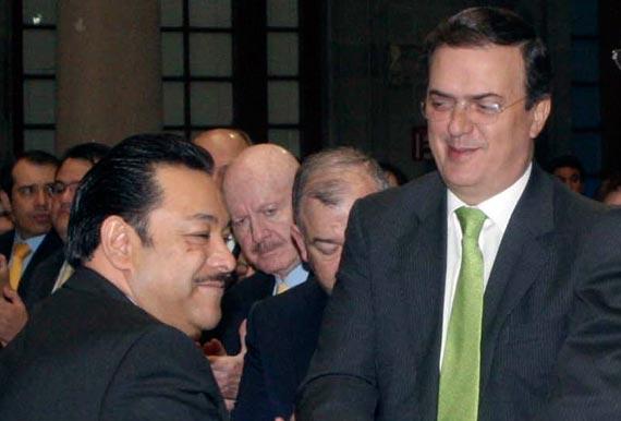Héctor Serrano y el ex Jefe de Gobierno, Marcelo Ebrard. Foto: Cuartoscuro