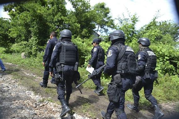 Este inicio de semana la prensa internacional consigna el hallazgo de los 28 cadáveres en Iguala. Foto: Cuartoscuro.