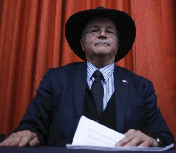 El  investigador de la UNAM, Jorge Antonio Montemayor Aldrete, que desmintió la versión del incendio en Cocula está siendo perseguido.  Foto: Cuartoscuro