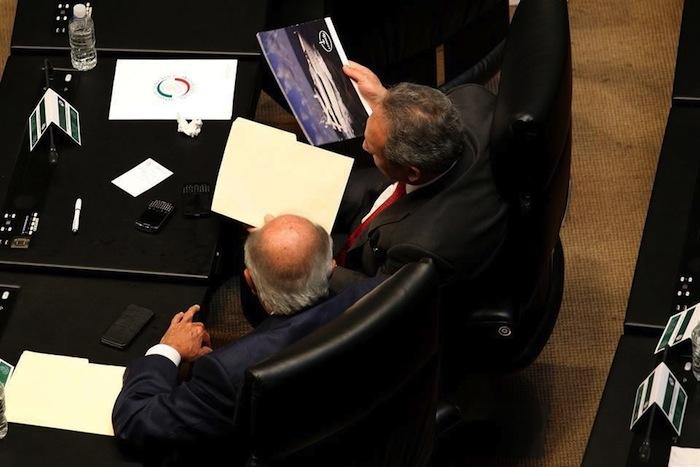 Romero Deschamps en la foto tomada por Reforma que difunden las redes sociales.