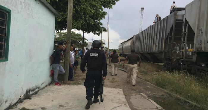 Operativos contra migrantes sobre las vías ferreas de Tabasco: Cuartoscuro.