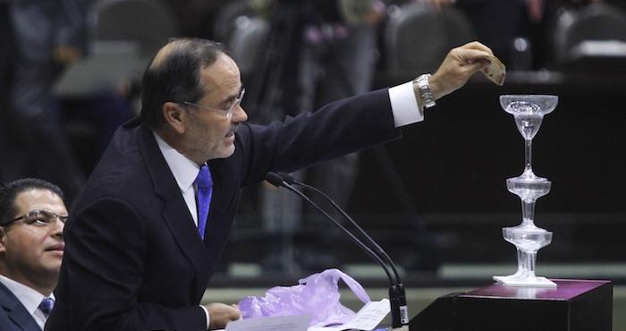 Gustavo Madero diputado del PAN durante la sesión del día de hoy. Foto: Cuartoscuro