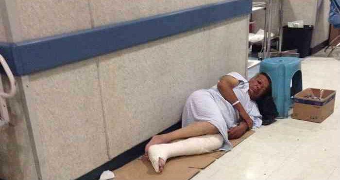 Un paciente no es atendido en un hospital mexiquense. Foto: Denuncia Ecatepec.