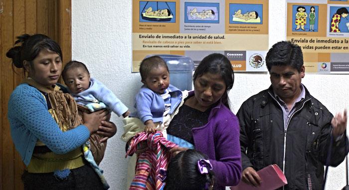 En 2014, un grupo indígena Tzotzil chiapaneco denunciaba que el Hospital de la Mujer en Chiapas, que se adhiere al modelo intercultural, operaba con pocos insumos y en condiciones difíciles Foto: Cuartoscuro