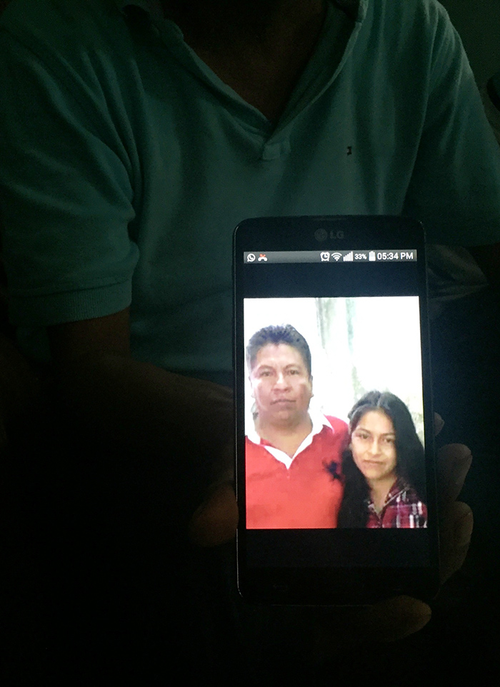 Érika en una imagen con su padre. Foto: SinEmbargo Humberto Padgett