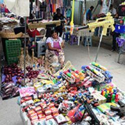 Los juguetes que simulan ser armas de fuego son profusamente vendidos en los mercados de Guerrero