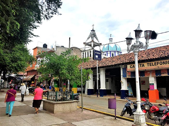 Plaza principal de Arcelia Foto: SinEmbargo Humberto Padgett