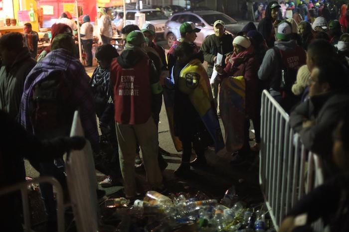 La basura fue otro de los problemas en la zona luego de la celebración eucarística que se celebró este domingo en Ecatepec. Foto: Francisco Cañedo, SinEmbargo
