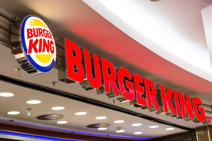 Burger King se Compromete a un Abasto al 100 por Ciento de Huevo de Gallina Libre de Jaula en México. Foto: Shutterstock.