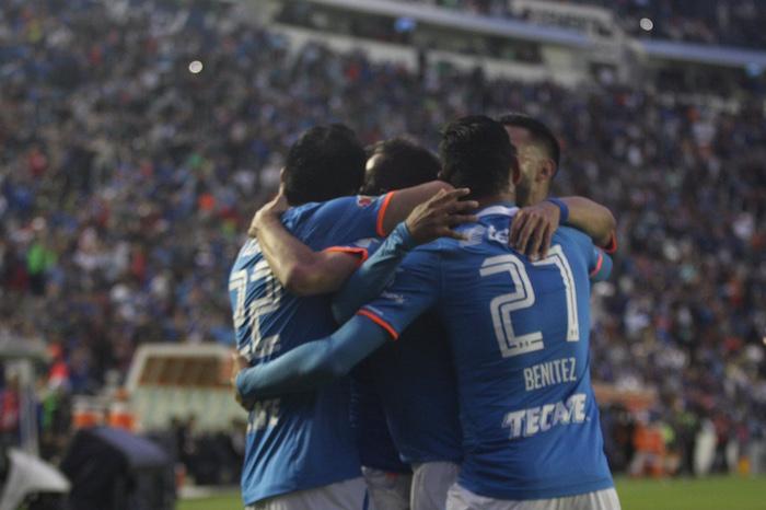 """""""La Máquina"""" aplastó al líder del Clausura 2016 en el Estadio Azul. Foto: Valentina López, SinEmbargo"""