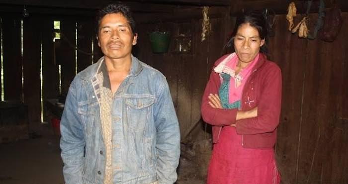 En la imagen, don Macario Atlahua Temoxtle y su esposa doña Juana Calihua. Foto: Blog Expediente.
