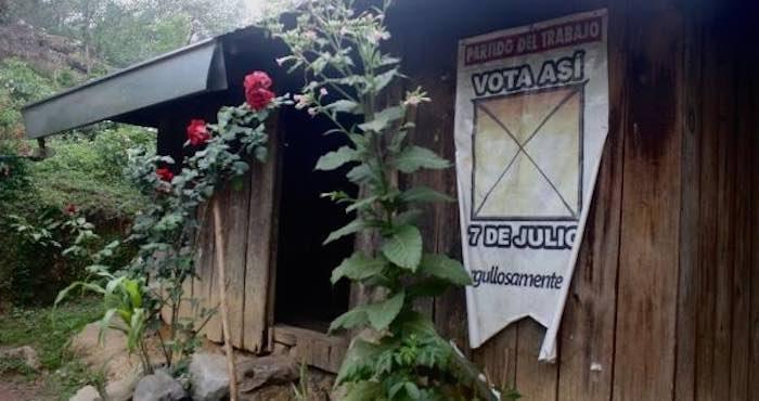 En la imagen, la casa en donde habitan don Macario y sus familiares. Foto: BlogExpediente.