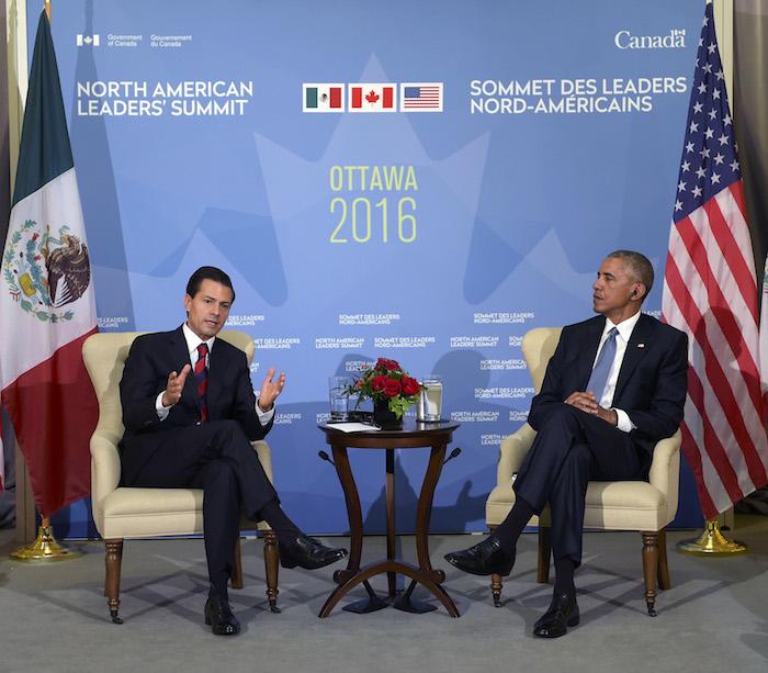 OTTAWA, CANADÁ, 29JUNIO2016.- El Titular de Ejecutivo Federal, Enrique Peña Nieto, conversó hoy con el Presidente de los Estados Unidos de América, Barack Obama, en el marco de la Cumbre de Líderes de América del Norte (CLAN). Ambos presidentes coincidieron en que la agenda entre los dos países es amplia e incide de manera directa en ambas sociedades. FOTO: PRESIDENCIA /CUARTOSCURO.COM