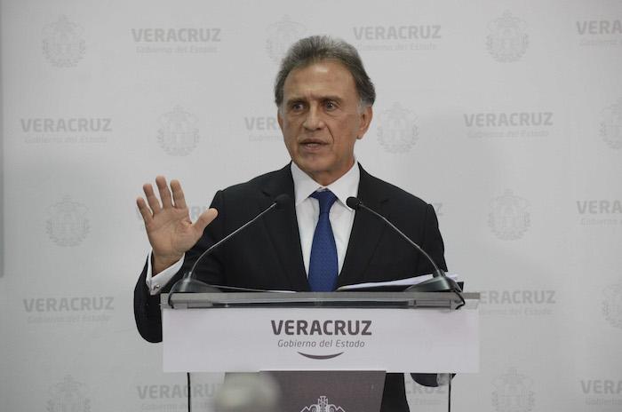 El Gobernador Miguel Ángel Yunes Linares denunció la realización de falsas quimioterapias hechas por el estado. Foto: Alberto Roa, Cuartoscuro