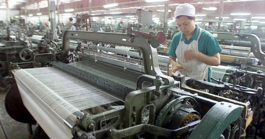 china comercio guerra - Banco Central de China inyecta 126.4 mdd de liquidez al país; baja 50 puntos las tasas bancarias