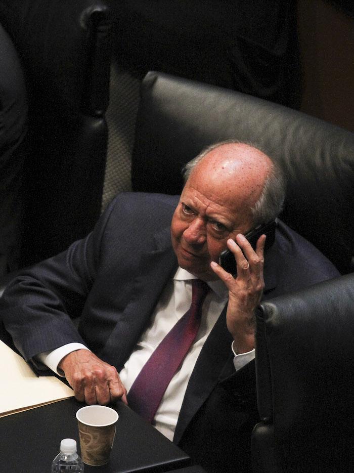 sesio769n senado 3 8 1 - Juicio político pendiente a Romero Deschamps