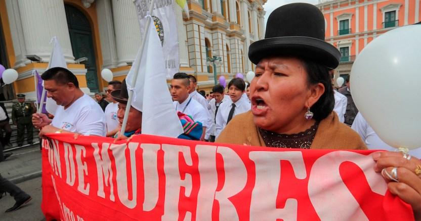 150439a2b22b7f3344894c096267dabdcb24b941 - Manifestantes en Chile despiden semana marcada por huelga feminista con nueva protesta en Plaza Italia - #Noticias