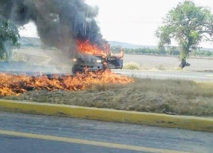 """bloqueos carretera guanajuato 1 - El ocaso del sanguinario rey del barrio: """"El Marro"""" enfrenta el hierro caliente que lo encumbró"""