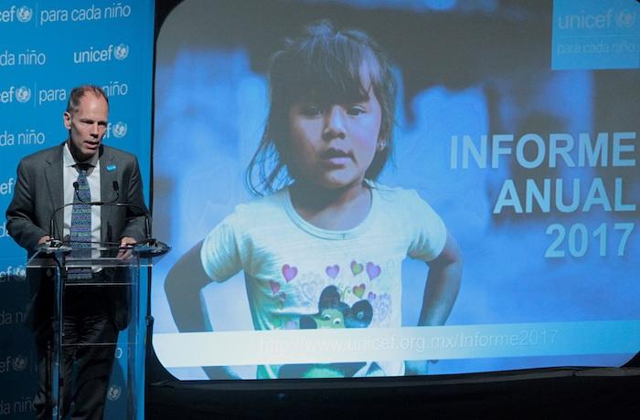 Fotografía de archivo del 9 de mayo de 2018 que muestra al representante de Unicef en México, Christian Skoog, durante la presentación de un informe en Ciudad de México (México).