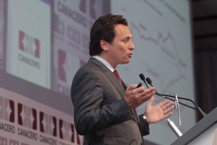En el marco del Tercer Congreso de la industria Siderúrgica Mexicana, en 2013, el extitular de Pemex, destacó la participación de la industria acerera para la modernización de la empresa petrolera en el marco de la reforma energética.