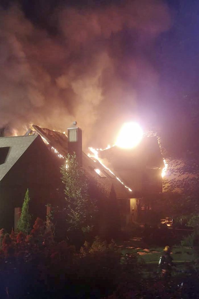 incendio rachel ray - Un gran incendio consume la casa de Rachael Ray, la estrella de los programas de cocina